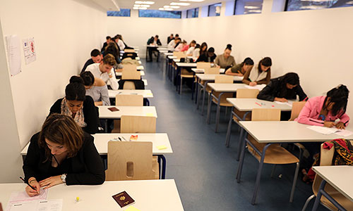 étudiants en examens
