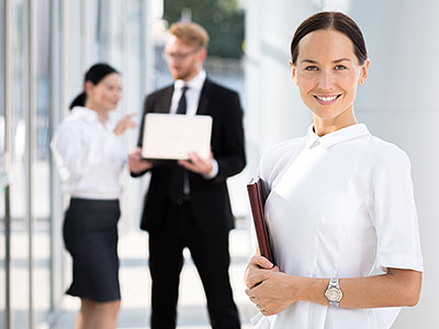 A 4 to 8-month internship in a company enabling the implementation of your hotel management training